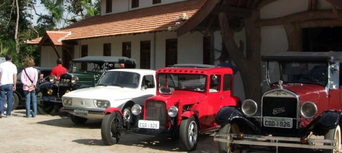 2° Desfile e Exposição de Carros Antigos de Mogi das Cruzes no Casarão do Chá